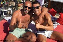 Кристиано Роналдо голубой: фото – разоблачение