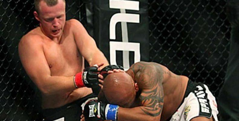 Мусаси одержал спорную победу над Шлеменко